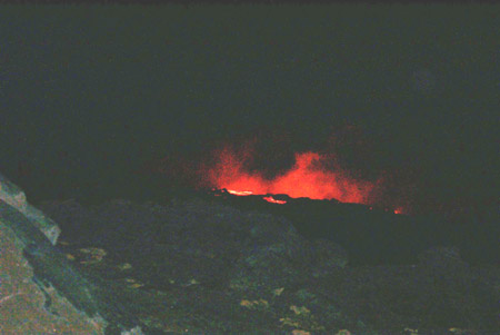 Lava flow at night, December 1998. Image by M. Dohm